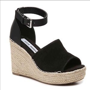 STEVE MADDEN Black Jaylen Wedge Sandals